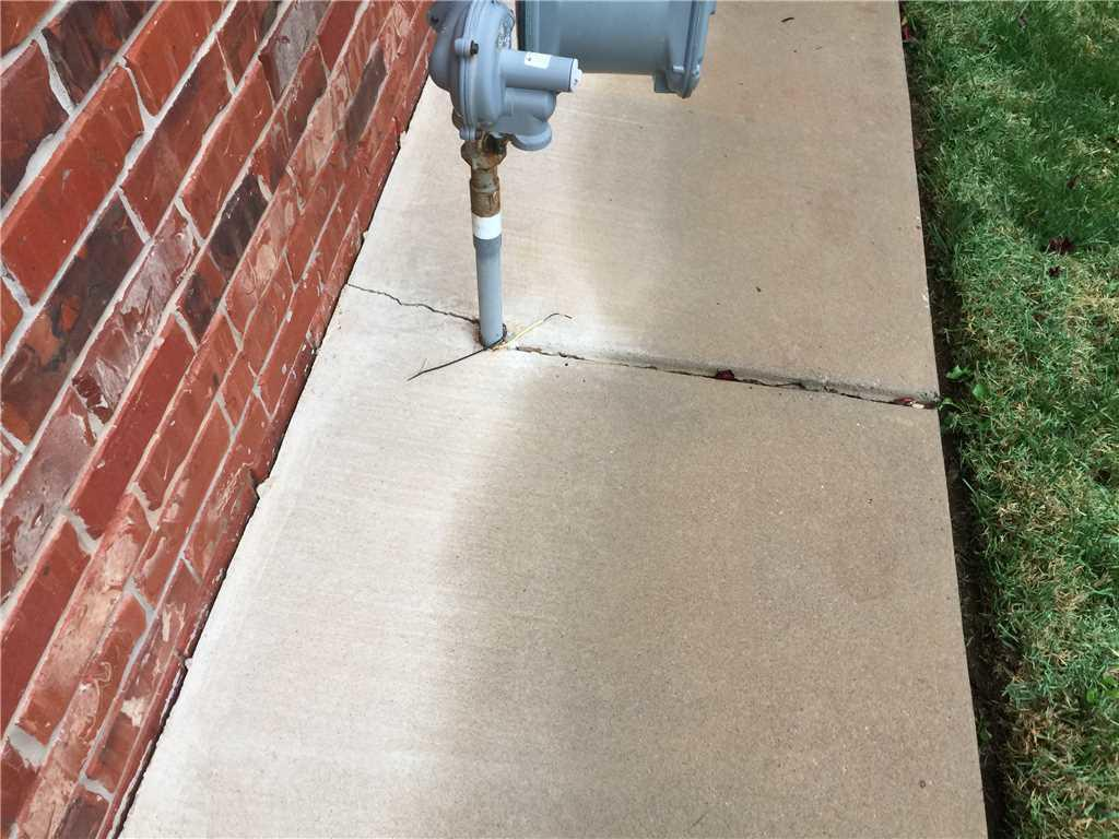 This sidewalk was repaired using the Polylevel solution.