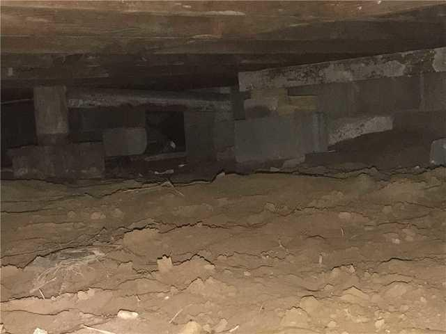 Crawl Space Repair in Midwest City, Oklahoma - Before Photo
